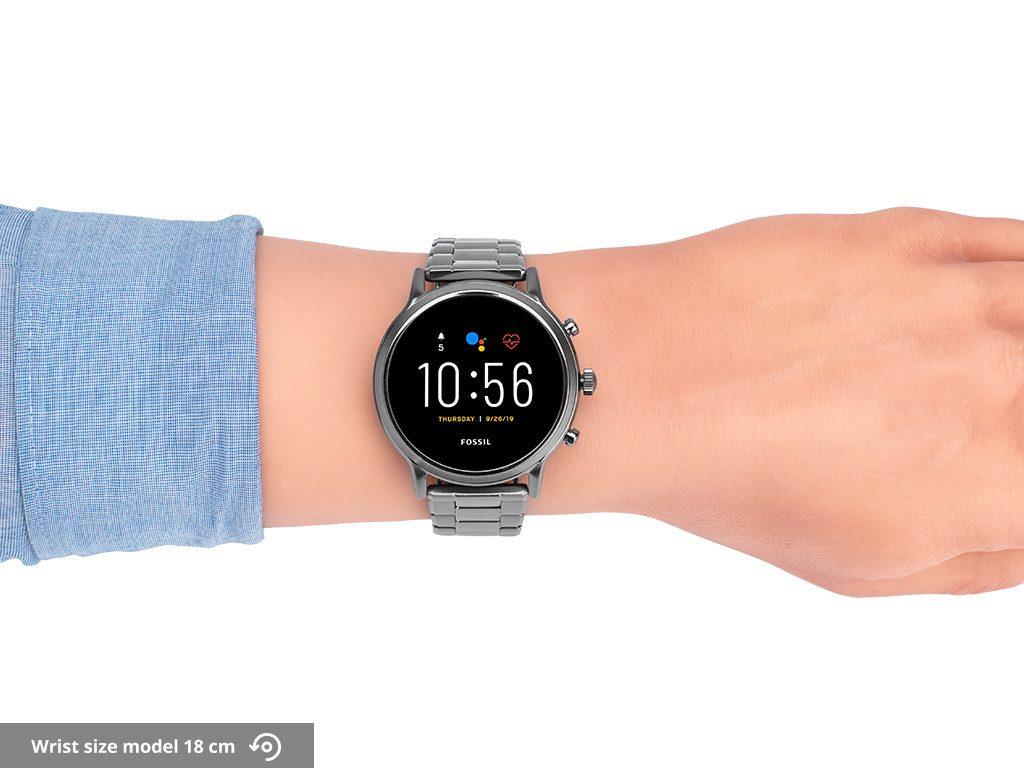 fossil-carlyle-gen-5-smartwatch-uiterlijk-om-de-pols